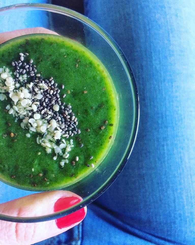 green chia smoothie