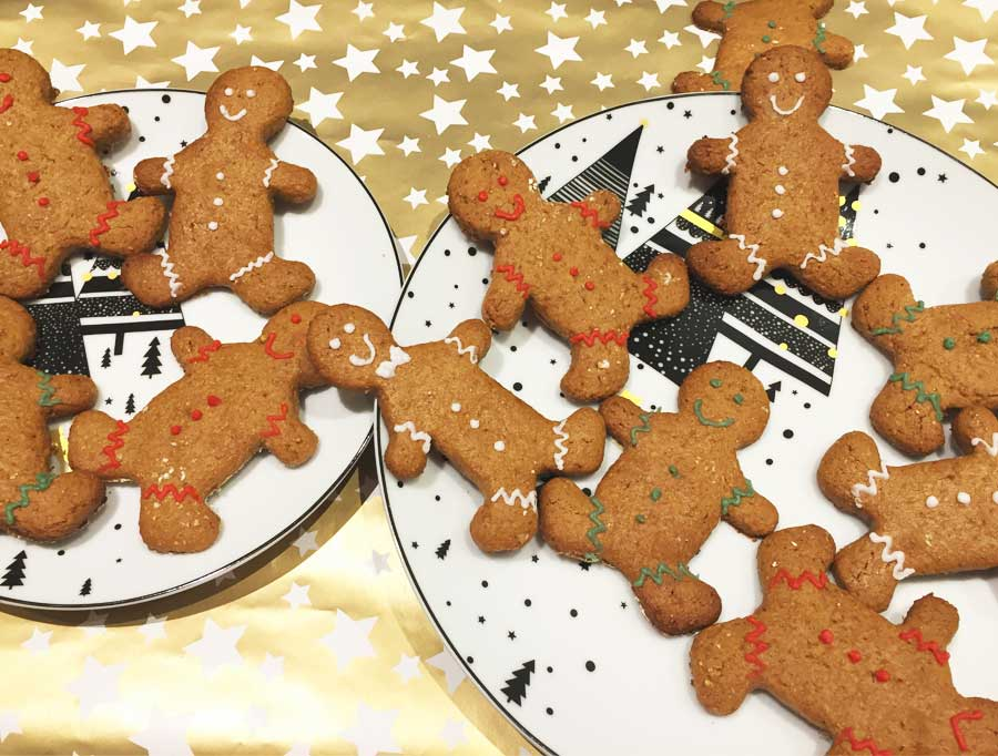 Healthy Christmas baking: Gingerbread cookies!