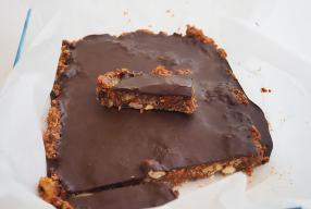 Dit recept voor healthy Snickers wil jij proberen!